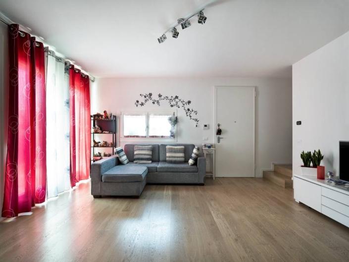salotto arredato appartamento